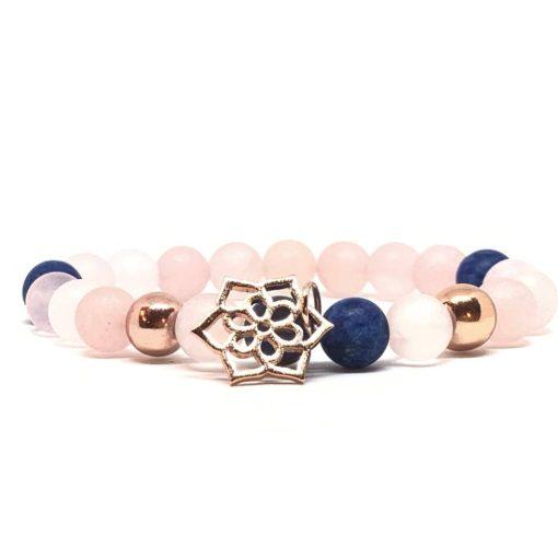 Kék achát és rózsakvarc rózsaarany virág medálos karkötő